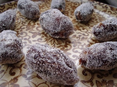 stuffed-dates