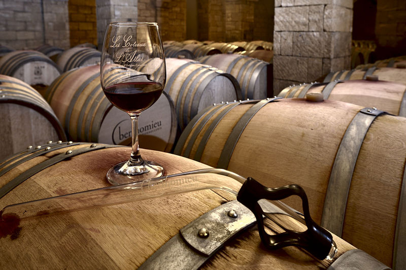 Wine aged in oak casks